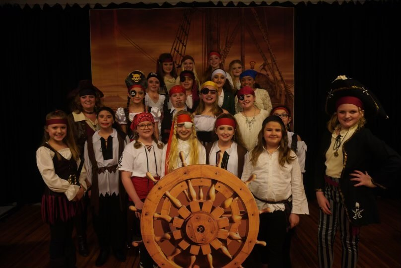KES Music Makers Perform Pirate Musical
