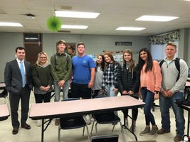 Zeb Taylor speaks to Business and Marketing Classes