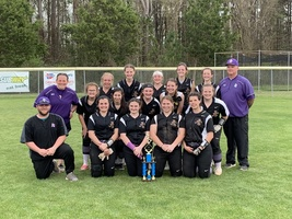 Lady Bear Softball Wins Trophy