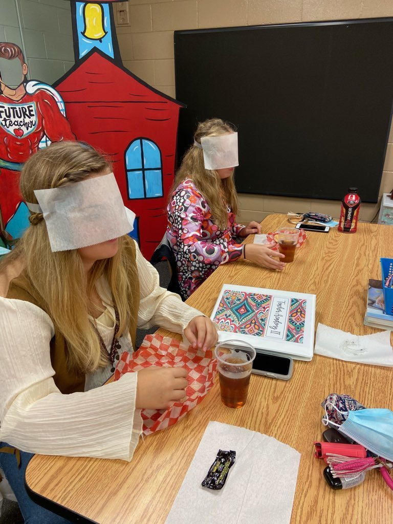 Teacher Academy Students Study Visual Impairment