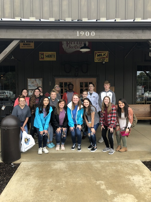 Marketing Students visit Cracker Barrell