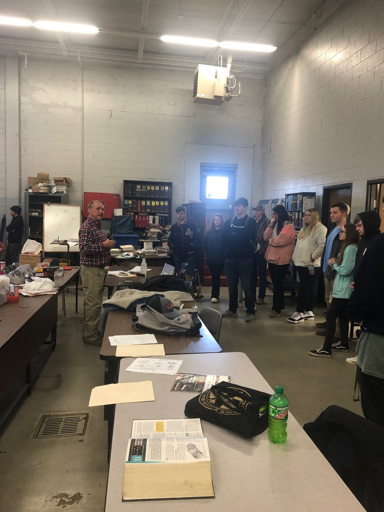 Ag Power and Ag Natural Students in Automotive Class